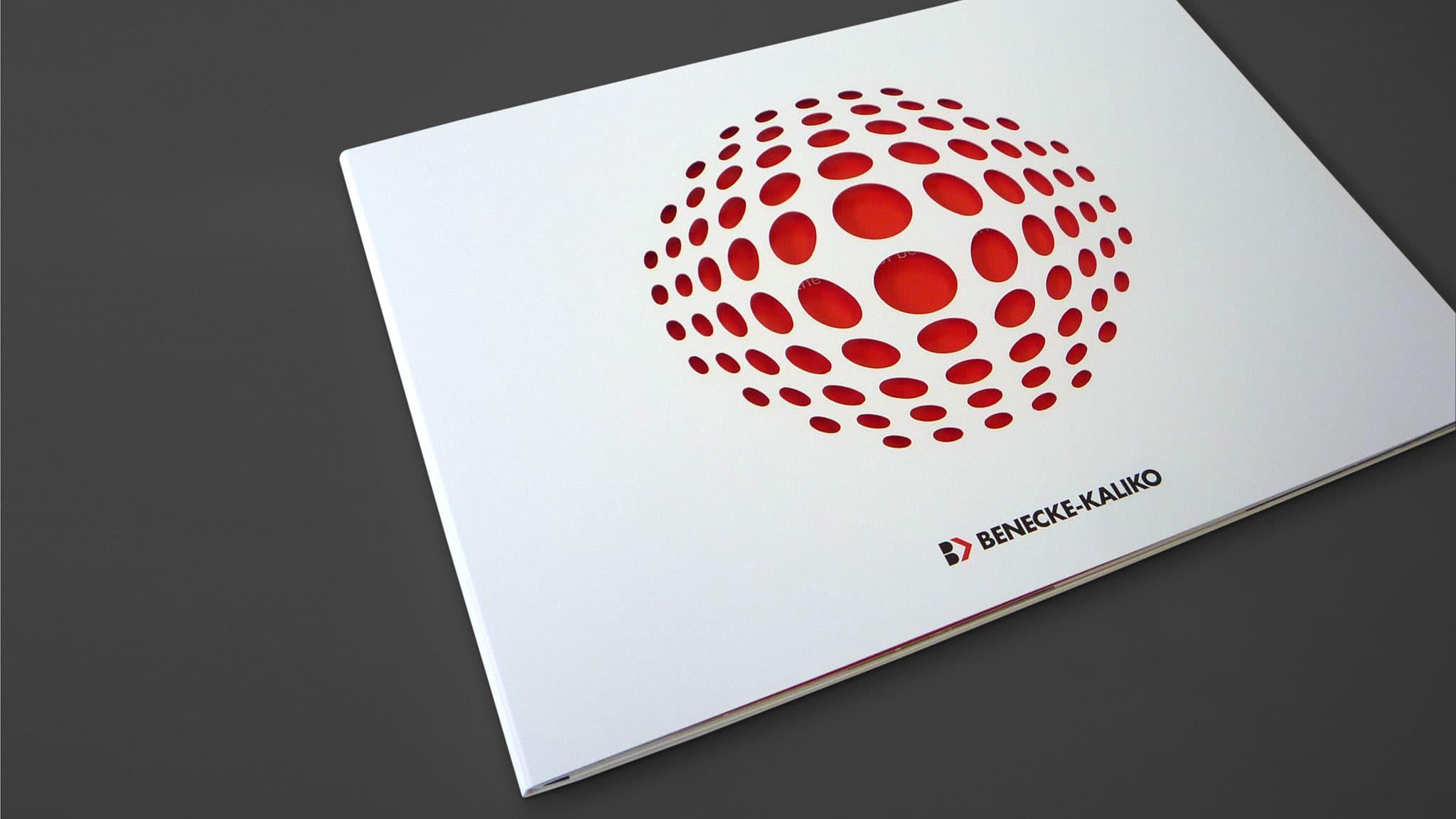 Titelstanze Imagebroschüre für Benecke Kaliko